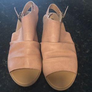 Qupid - Beautiful sandal. Size 9